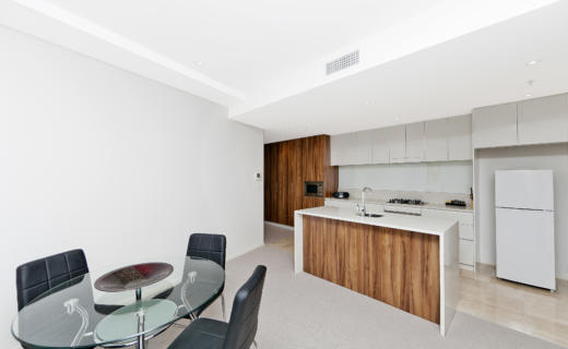 Canberra Bunda 2 bed corporate apartment dining