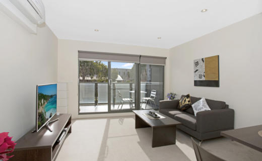 Glen Waverley Springvale 1 bed corporate apartment lounge