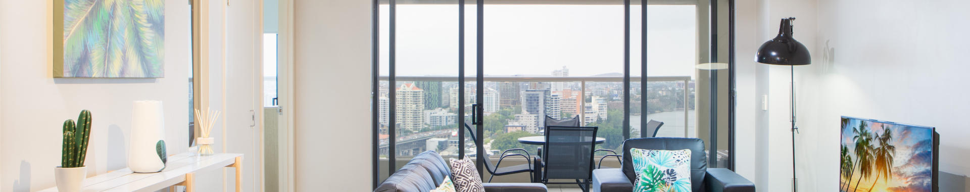 Brisbane Boundary 1 bed study corporate apartment lounge