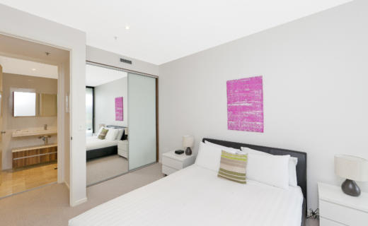 Canberra Bunda 1 bed corporate apartment bedroom