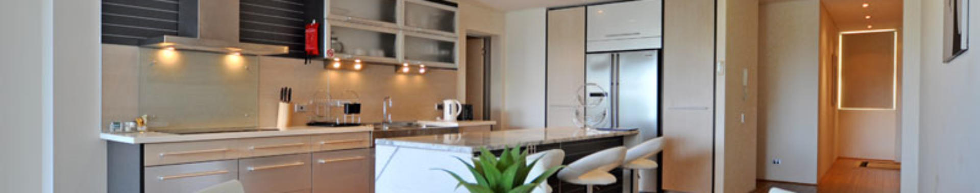 Perth StGeorge 3 bed corporate apartment dining
