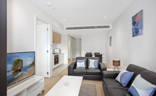 Southbank Power 2 bed corporate apartment lounge