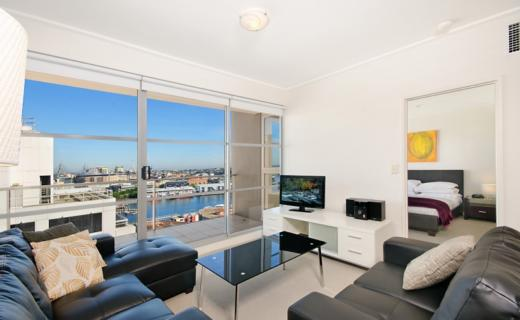 Sydney King Kent 2 bed corporate apartment lounge