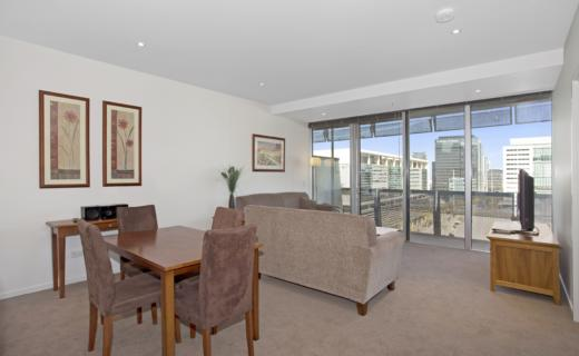Melbourne Collins 1 bed studio corporate apartment dining lounge