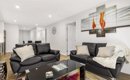 Newcastle Bellevue 1 bed corporate apartment lounge