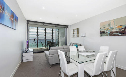 Newcastle Shortland 2 bed corporate apartment open plan