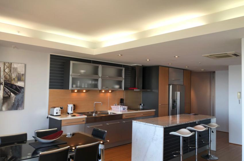 Perth StGeorge 2 bed corporate apartment dining kitchen