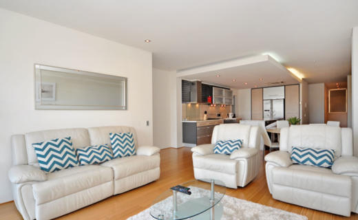 Perth StGeorge 3 bed corporate apartment lounge