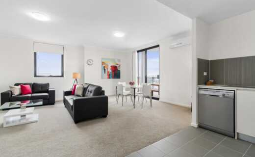 Liverpool 1 bed corporate apartment open plan